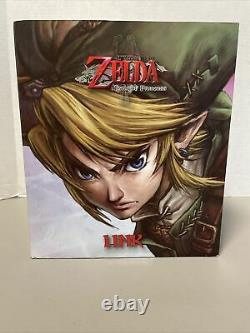 Nintendo Dark Horse The Legend of Zelda Twilight Princess 10-Inch Link Statue