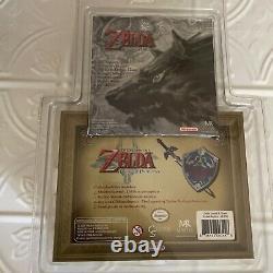 The Legend of Zelda Twilight Princess 1/6 Scale Master Sword & Hiria's Shield