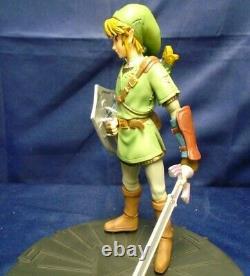The Legend of Zelda Twilight Princess Link Statue Dark Horse